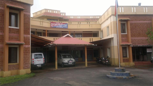 News, Kasaragod, Kerala, Case, Police,44 Cases registered for violating lock down