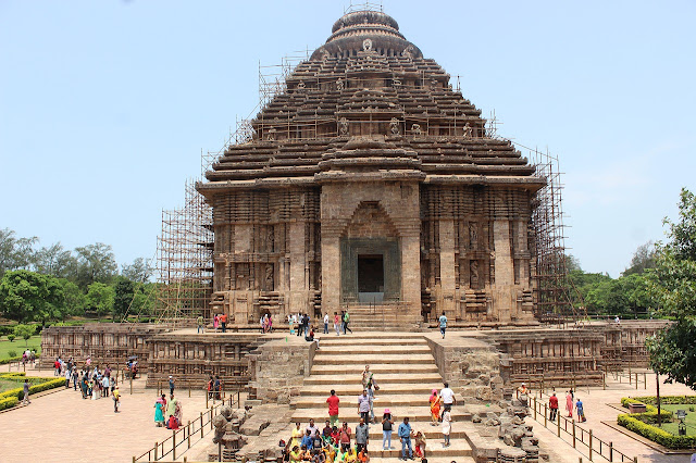 Konark-Sun-Temple,What-is-special-about-Konark-Temple?,Why-Konark-Sun-Temple-famous?,Which-God-is-Worshipped-in-Konark-temple?,How-do-you-get-to-Konark-Sun-Temple?-konark-sun-temple-facts,konark-sun-temple-magnet,konark-sun-temple-timings,konark-sun-temple-photos