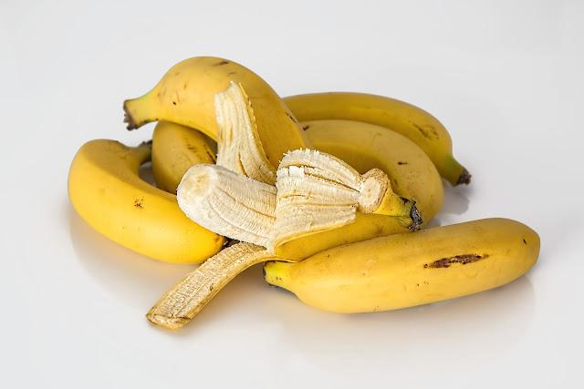 هل الموز يزيد الكحة