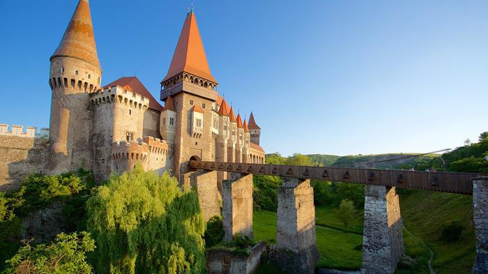 Hunyad istana terunik di dunia
