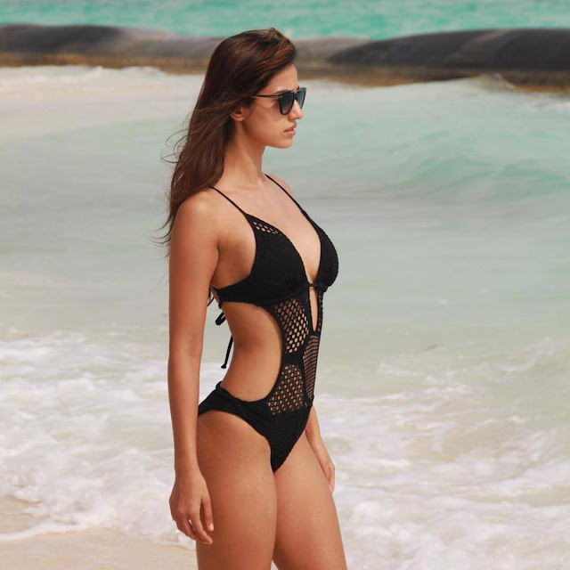 disha_patani_beach_bikini_hot_look I bollywood hotties in bikini