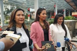 Seniman Mengaku Dijanjikan Dana Triliunan Rupiah oleh Jokowi
