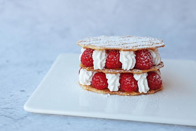 Συνταγή για Εύκολο Μιλφέιγ με Raspberries σε 10 λεπτά