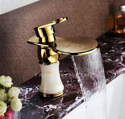 Elegant sink faucets for your bath