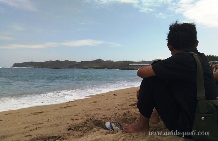 Merenung di Pantai Tambakrejo