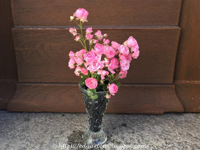 Rosen vor der Türe
