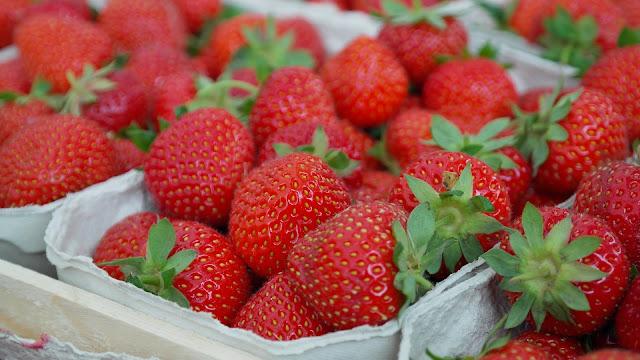 strawberries, blood pressure