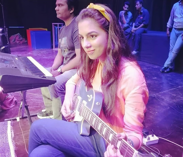 Sarah Waqar is a Pakistani guitar player, drummer, and a student of Musicology at National Academy of Performing Arts (NAPA).