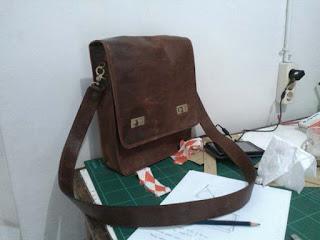 Tas Kulit Pria - Field Bag