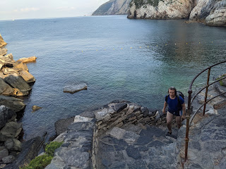 Grotta Byron (Porto Venere) - steps leading to water