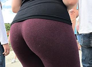 Chava buenas nalgas leggins pegados