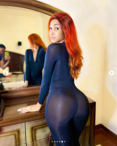 Crossdresser, Jay Boogie flaunts his curves in new photos