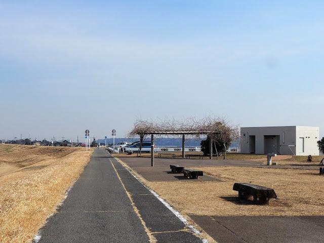 利根川 印旛水門 広場 トイレ