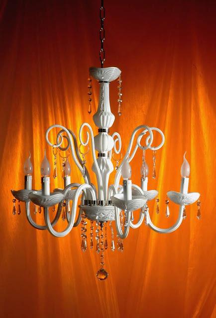 Lampadario-di-Murano-bianco-con-gocce-di-cristallo-Swarovski
