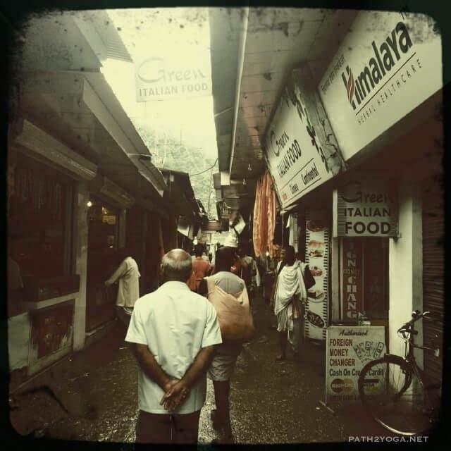 Narrow street near ashram