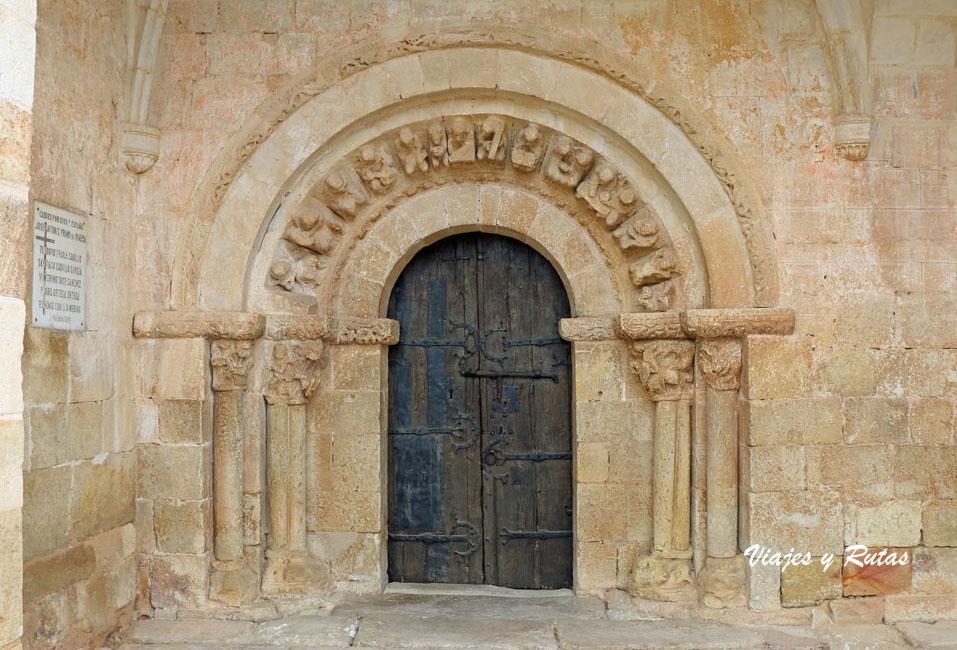 Portada de la Iglesia de la Asunción, Perazancas