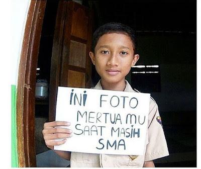 15 Foto 'Mama Papa Waktu SMA' Ini Lagi Ngehits, Orang Tua Kamu Ada Nggak?