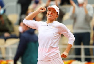 Iga Swiatek Celebrates After Winning The French Open In