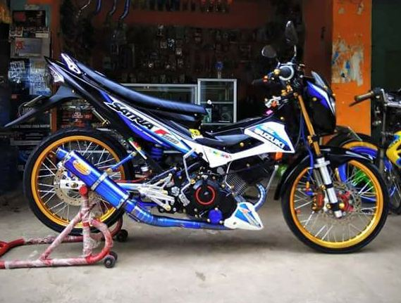 Cara modifikasi motor suzuki satria f 150 menjadi motor drag dengan biaya yang murah dan hasilnya cukup memuaskan