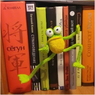 amigurumi rana mr. frog maestro de yoga amigurmi today