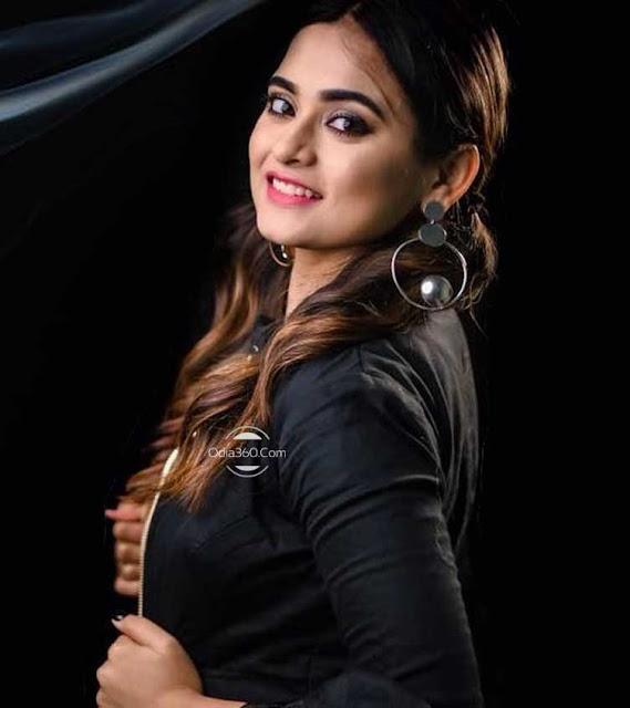 Archita Mohanty Hot Odia Actress HD Wallpaper Download