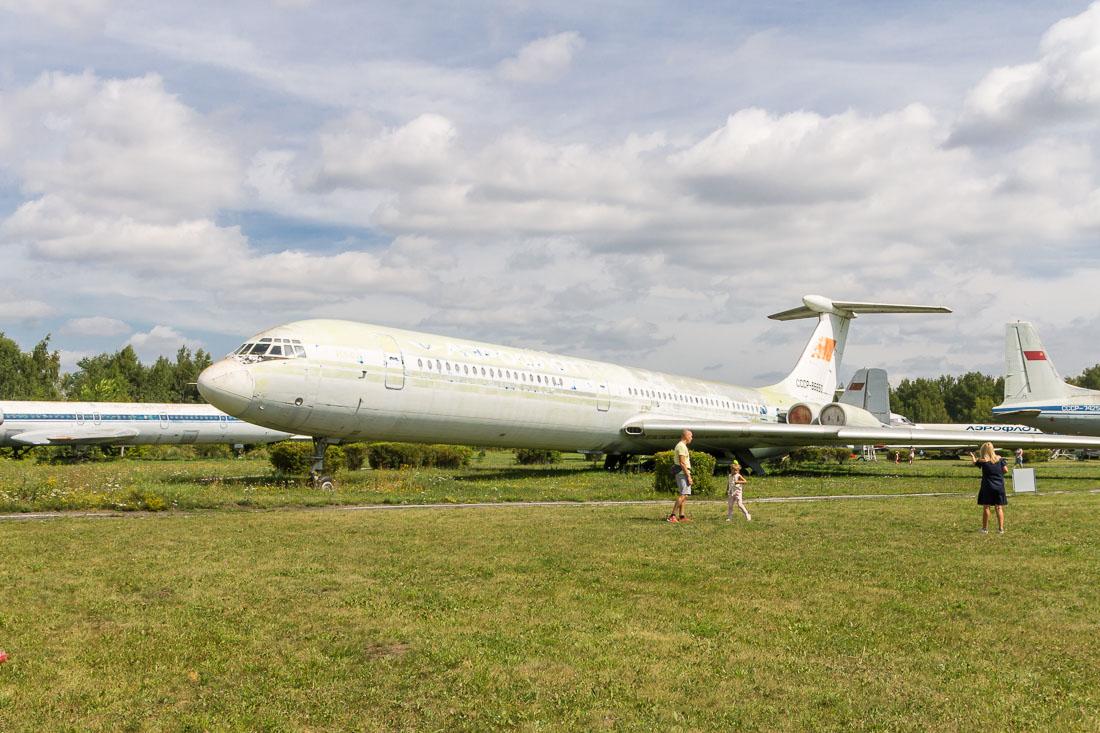 Самолёт Ил-62