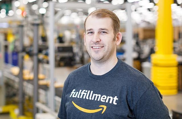 Amazon A To Z Employee 4