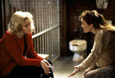 The Gun In Betty Lous Handbag 1992 Penelope Ann Miller Cathy Moriarty Image 1