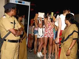 Image result for हाई-प्रोफाइल रेव पार्टी में पकड़ी गईं बाॅलीवुड और टीवी अभिनेत्रियां- रिपोर्ट