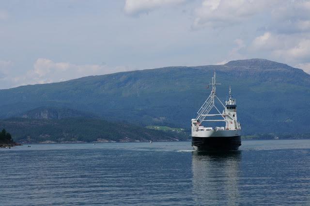 Ferry entre Jondal e Torvikbygd