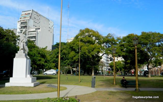 Praça Praça Torquato de Alvear, na Recoleta, Buenos Aires