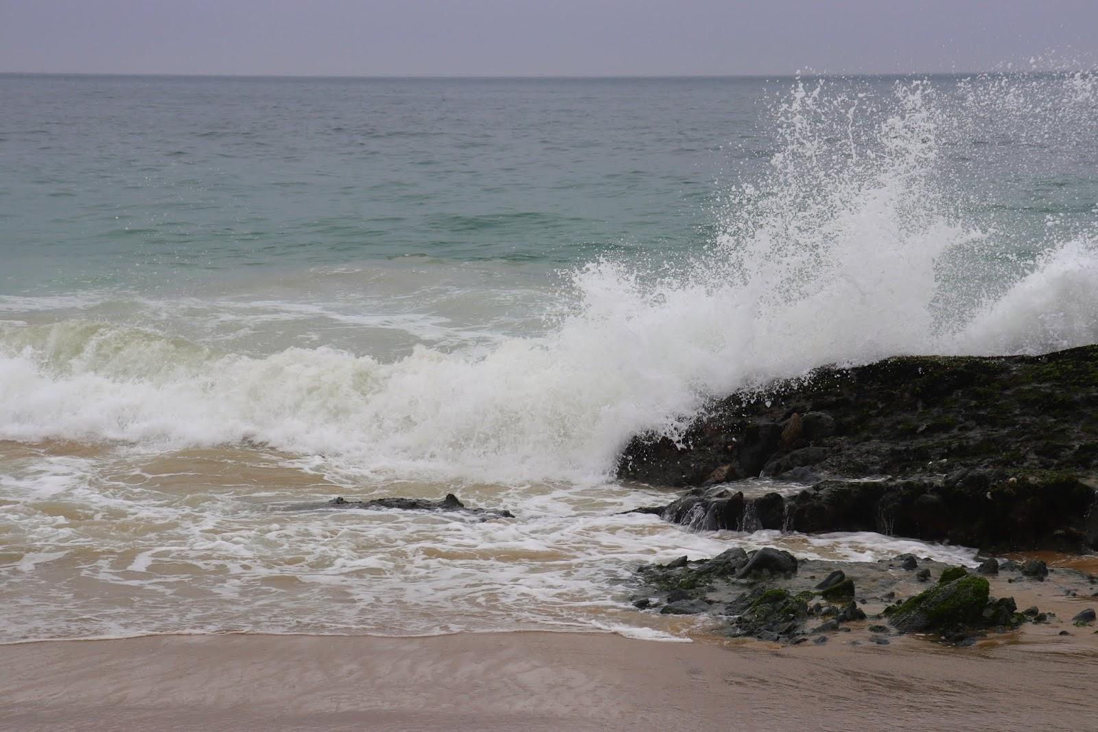 wave splashing