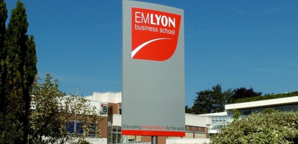 L'école de commerce EM Lyon ouvre ses portes à l'idéologie féministe et décoloniale