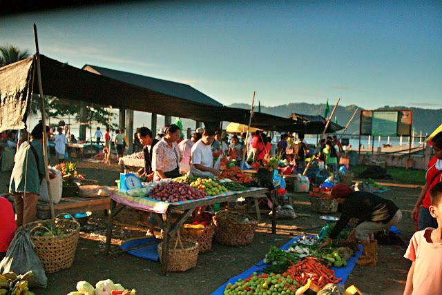 Market scene in Kalamansig Sultan Kudarat