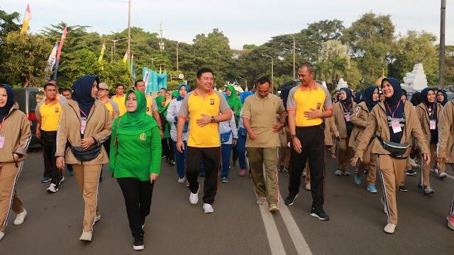 Peringati HUT YKB ke-39, 2000 Peserta Polisi dan Masyarakat, Ikuti Olahraga Bersama Polda Banten