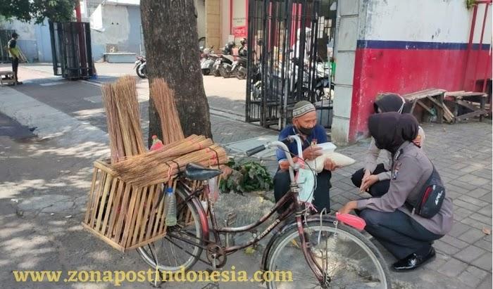 Dampak Pandemi, Kakek Penjual Sapu Lidi, Curhat Sepi Pembeli