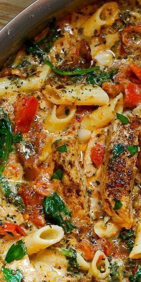 CREAMY CHICKEN PASTA WITH BACON #recipes #dinnerideas #foodideas #foodideasfordinnereasy #food #foodporn #healthy #yummy #instafood #foodie #delicious #dinner #breakfast #dessert #lunch #vegan #cake #eatclean #homemade #diet #healthyfood #cleaneating #foodstagram