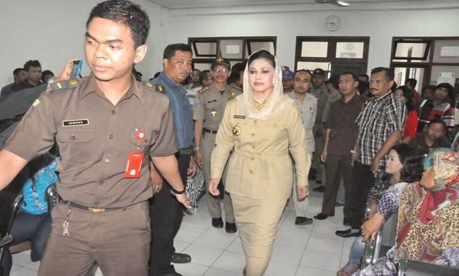 KPK Tangkap Tangan Wali Kota Tegal Siti Masitha