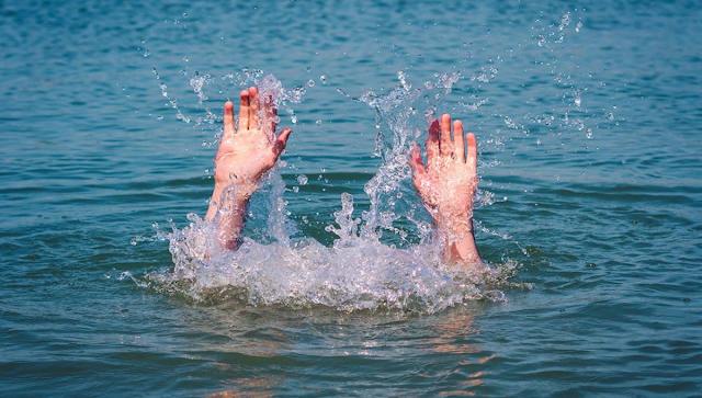 Дети показывали утонувшего мальчика знакомым, вместо того чтобы позвать помощь