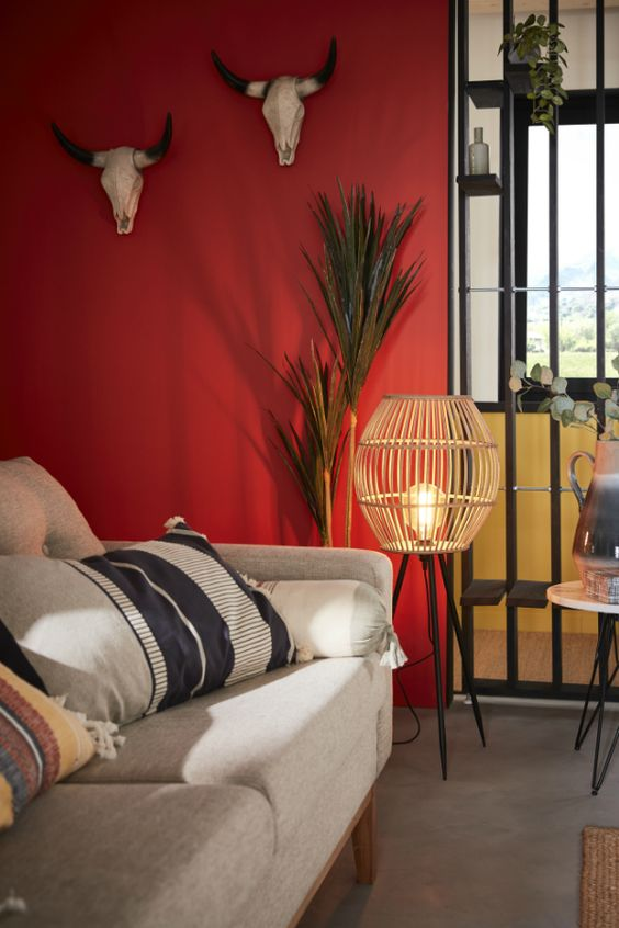 cute red interior design idea to try for your living room