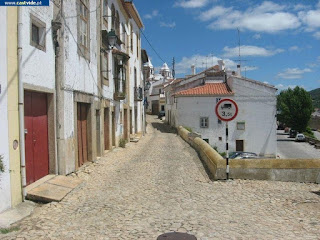 STREETS / Carreira de Santiago, Castelo de Vide, Portugal