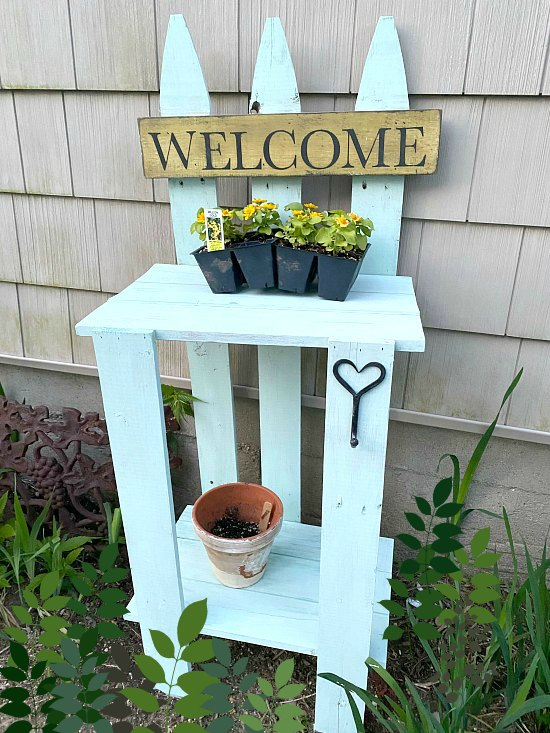 DIY Cottage green picket fence garden table