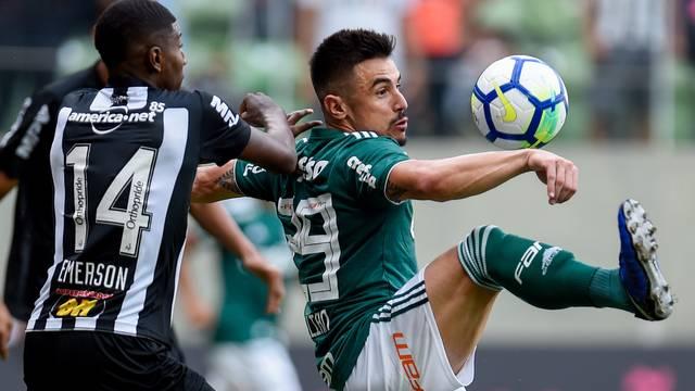 Palmeiras empata com Atlético-MG e mantém vantagem na liderança do Brasileirão