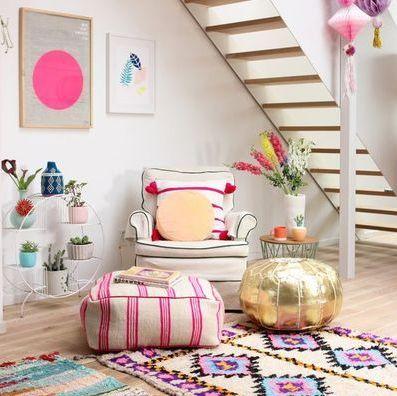 3 Τρόποι για να προσθέσετε χρώμα στο σπίτι