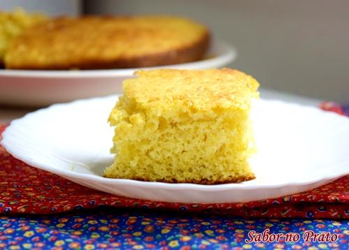 Como fazer um bolo simples, aquele bolo de nada de um jeito super fácil.