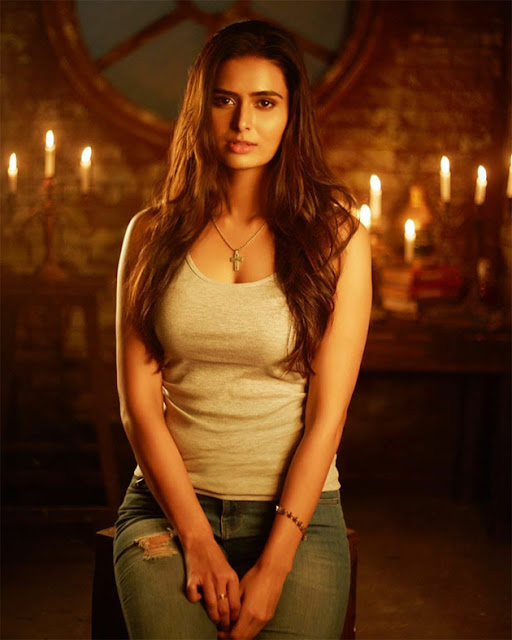 Meenakshi Dixit  IMAGES, GIF, ANIMATED GIF, WALLPAPER, STICKER FOR WHATSAPP & FACEBOOK