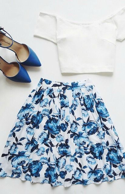 Top 7 Most Beautiful Blue And White Outfits