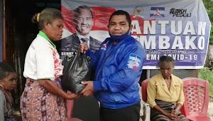 BKH dan Demokrat Alor Bagi 466 Paket Sembako Selama 3 Hari Penuh