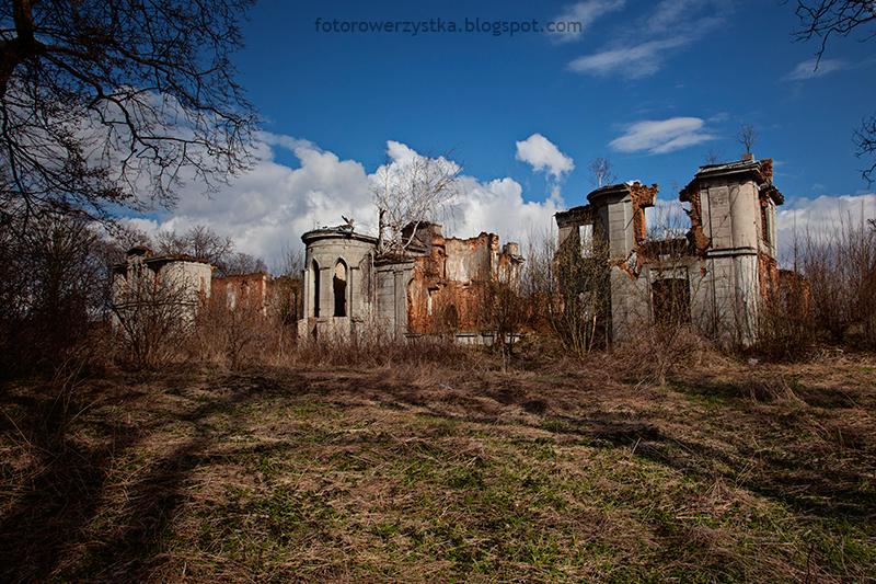 Pałac Karskich, Włostów, pałac, ruiny