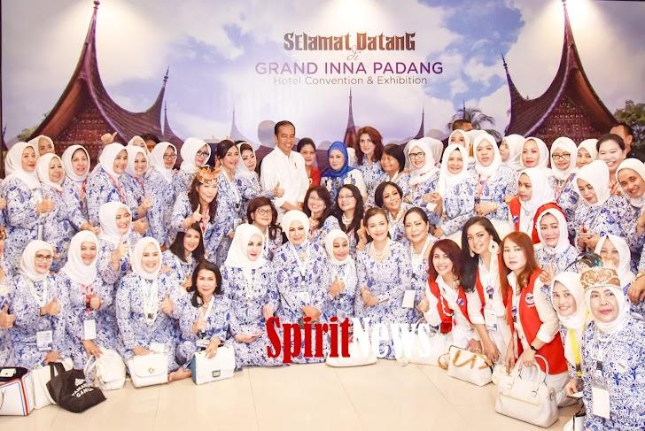 Presiden Jokowi, Buka Raker Nasional Ikatan Wanita Pengusaha Indonesia di Padang